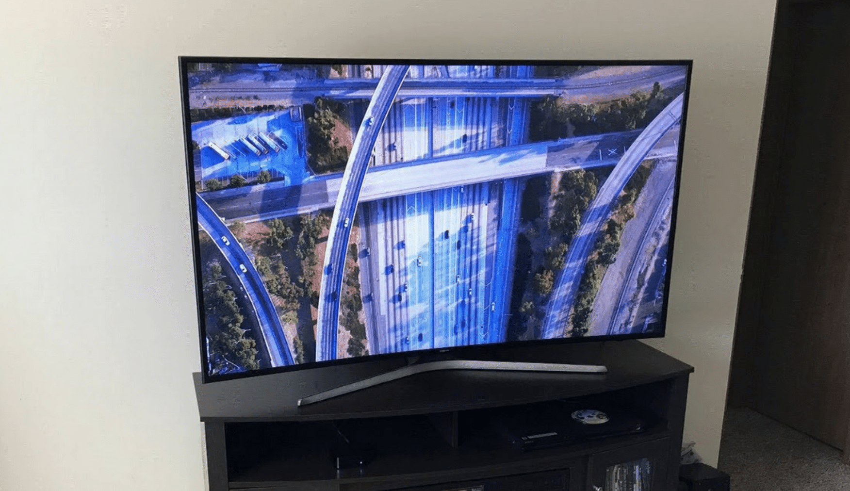 Samsung UN65MU6500 Review - The Best Deal 4k Curved TV Out There